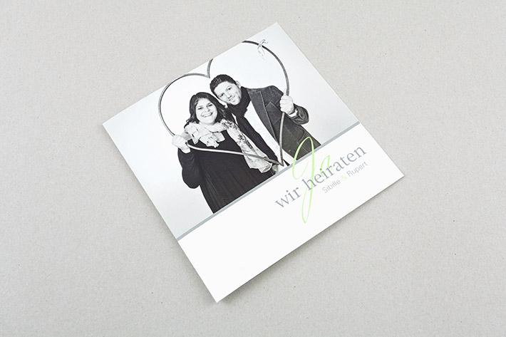 Einladungskarte im Format 15 x 15 cm