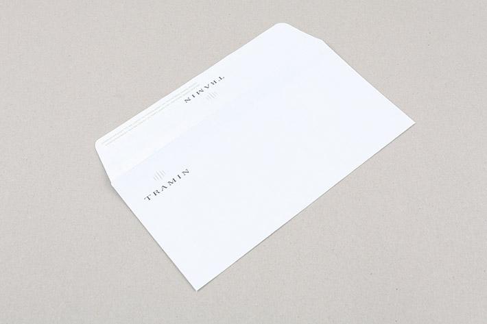 Das Kuvert im Format 22 x 11 cm wurde einseitig bedruckt.